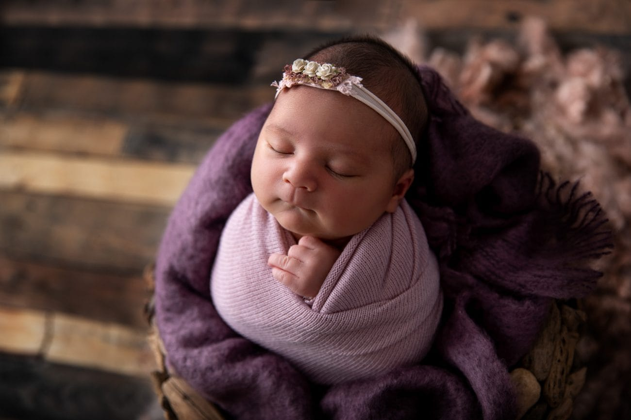 Newborn Photographer in Lawnton
